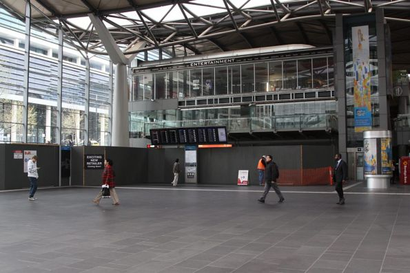 Can you find the V/Line ticket office at Southern Cross?