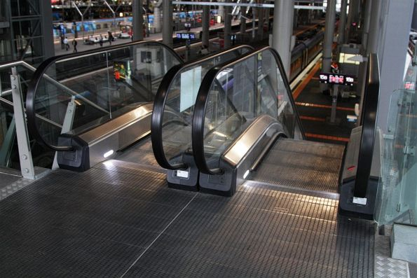 Bourke Street end of platform 15 and 16 has to make do with 3/4 width escalators