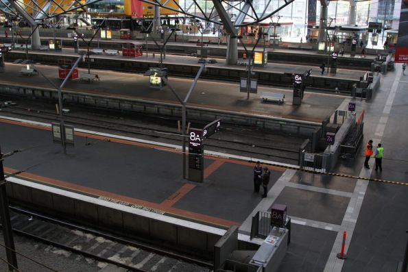 All rubbish bins removed from the country platforms at Southern Cross Station