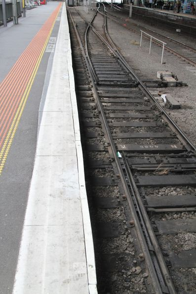 Platform gap temporarily filled at the south end of Southern Cross platform 8