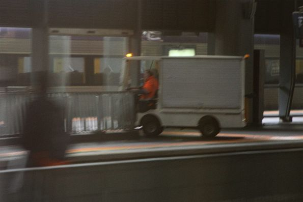 Electric buggy heads down into the subway from platform 15