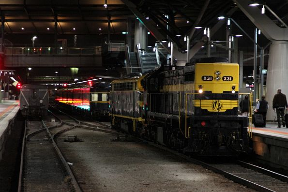 X31 and B74 run around on arrival at Southern Cross