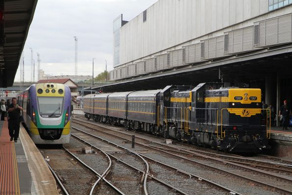 T357 and P22 on arrival at Southern Cross platform 2
