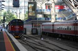 N464 runs around the train at Southern Cross