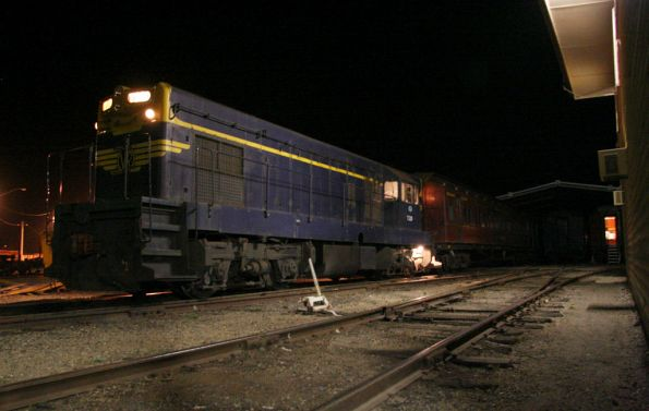 T320 after shunting the second half of the train into the depot
