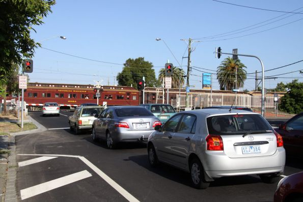 Traffic held up on Buckley Street, Essendon