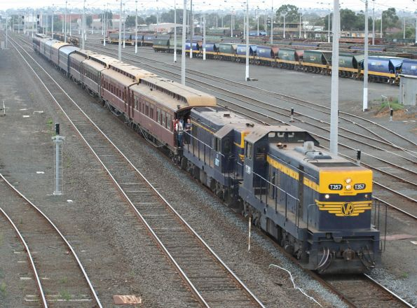 T357 - T320 on SRHC's 'Hills to the Bay' tour depart North Geelong