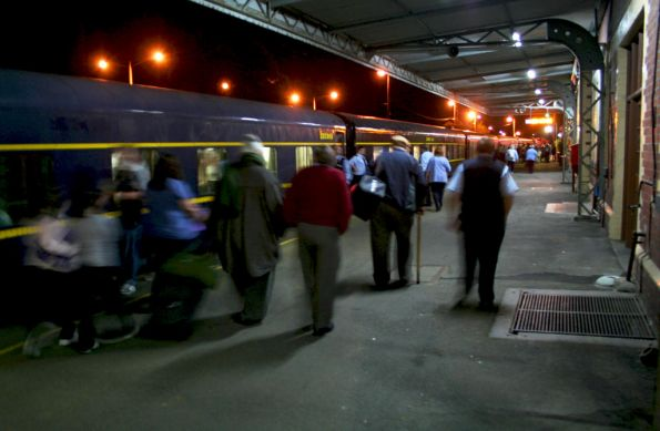 Passengers leave the train at Seymour