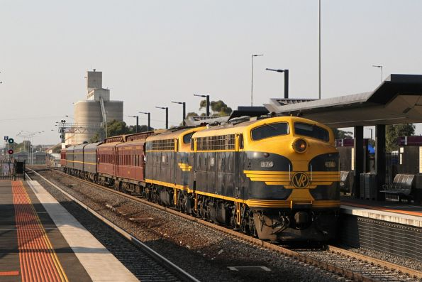 Saturday, 16 March - B74 leads S303 on the down leg of the tour through Sunshine