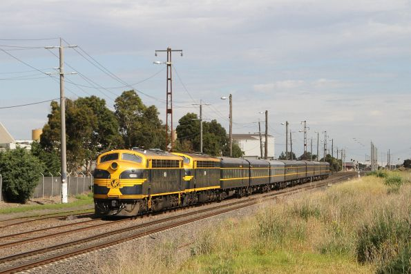 B74 leads S303 through Brooklyn on the way to Ballarat, via Newport and Geelong