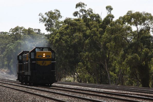 T357 and T378 head light engine to Melbourne at Sharps and Taylor Road