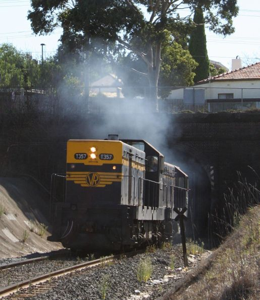 T357 - T320 exit the Geelong Tunnel on SRHC's 'Warrnambool Blue' tour