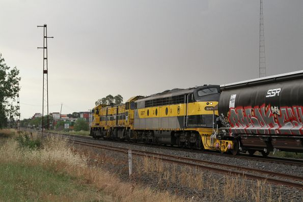 T386 leads T381 and S317 through Brooklyn on a SSR grain train bound from Geelong to Tottenham