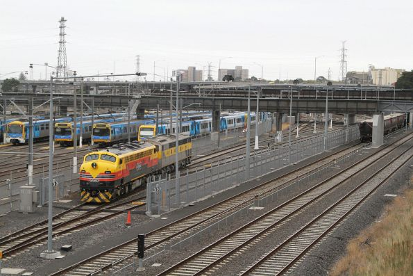 B75 and S317 run around their train at North Melbourne with an empty grain bound for Kensington
