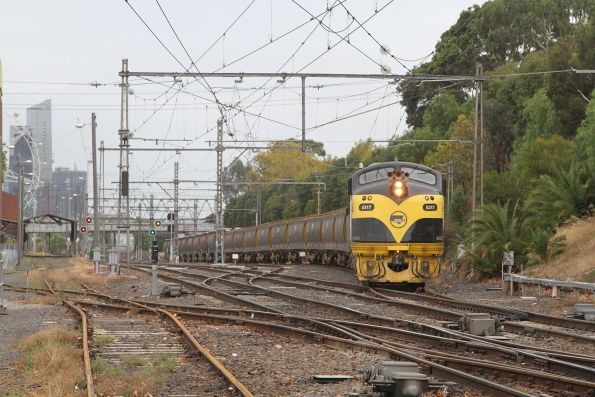 S317 and B75 arrive at Kensington with an empty grain train