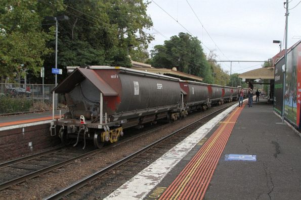 SSR grain train ready to be pushed into the mill siding at Kensington