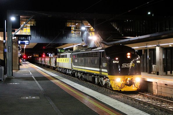 S312 leads S317 on an up grain ex-Tocumwal at Sunshine