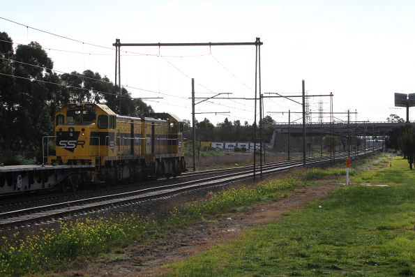 T381 leads T385 on a down SSR wagon transfer out of Albion bound for the Bendigo Workshops