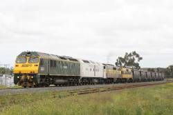 RL302 leads CLF3, GM27 and GM22 on a northbound grain at Albion