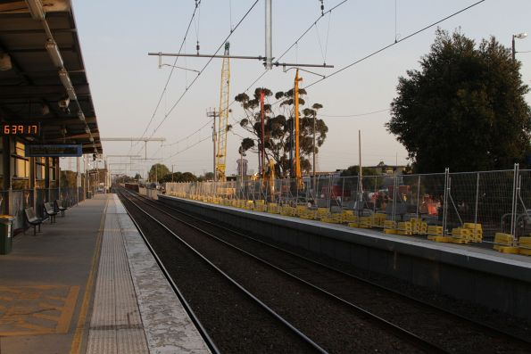 Waiting shelters removed from platform 2 and 3