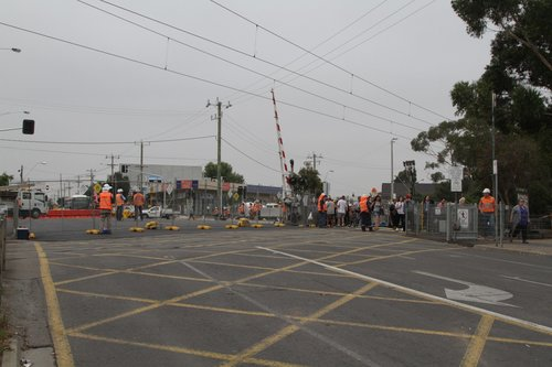 Main Road closed at St Albans station to allow the bridge over the future low level tracks to be built