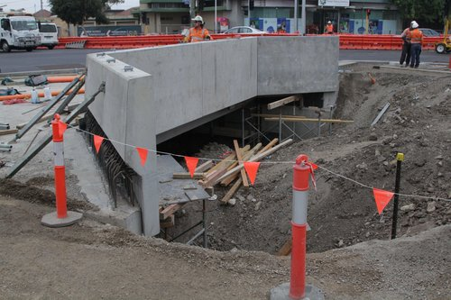 Bridge in place to carry Main Road over the future low level tracks at St Albans station