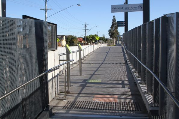 Myki gates at the north end of Ginifer platform 2