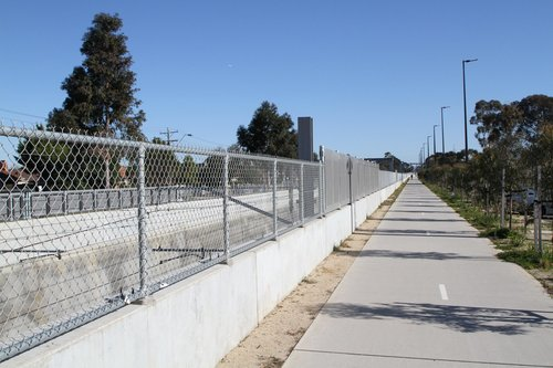 Looking north along the bike path from Ginifer station towards St Albans