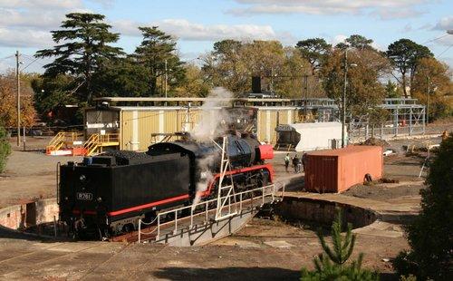 R761 getting turned at Ballarat East