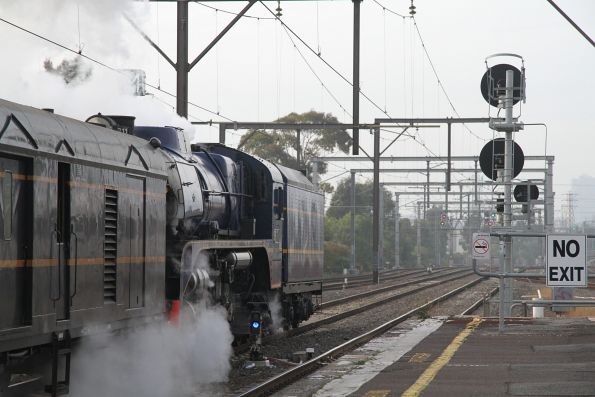 R711 running tender first at South Kensington, leading the empty car move from Newport to Southern Cross