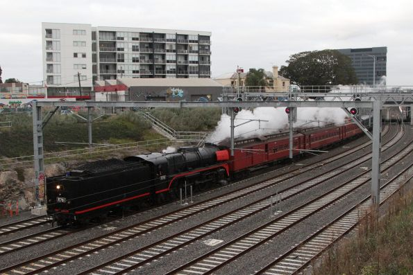 R761 leads the empty car move from Newport through the cutting at Footscray