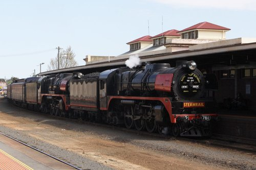 R761 and R707 at Bendigo