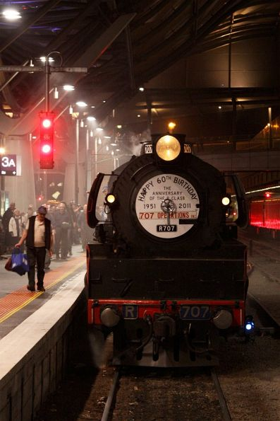 Steamrail - Double R class to Bendigo - September 2011