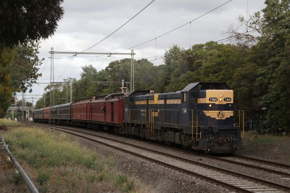 T364 leads T395 on the empty car move from Newport to Southern Cross