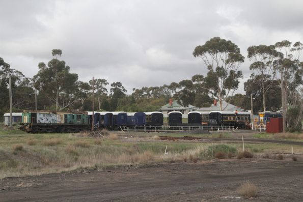 TL152 and ex-Australian National locomotive 845 stabled with the Steamrail fleet of standard gauge 'K' carriages