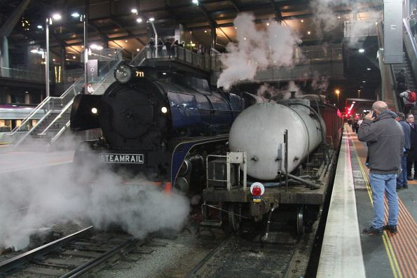 R711 runs around the train at Southern Cross Station