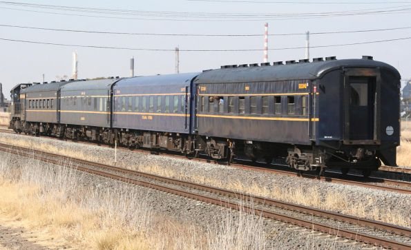 T364 on Steamrail's 'Santa Special' to Geelong at North Shore