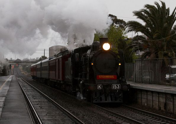 K153 passes through North Geelong on the up
