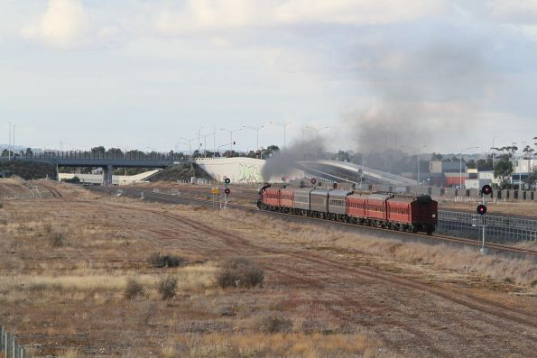 K190 passes the turnback siding at Wyndham Vale South