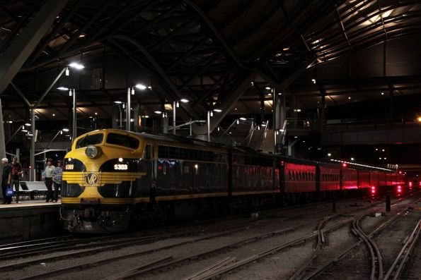 S303 in the lead on return at Southern Cross