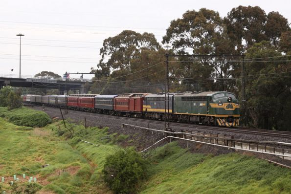 S301 leads the empty cars run from Newport to Southern Cross, at Yarraville