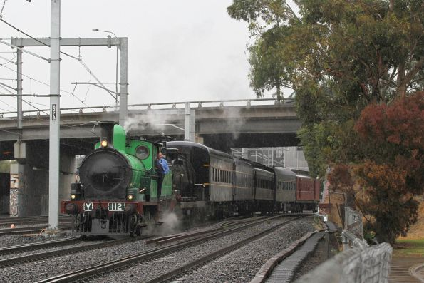 Headed onto the dual gauge at West Footscray bound for Southern Cross