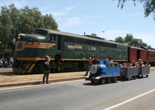 Thomas the Tank Engine vs S301