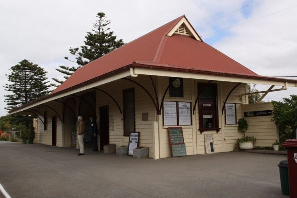 Station building at Port Elliot