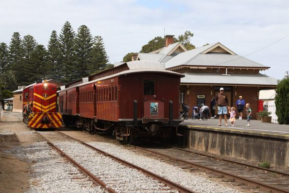 Running around the train at Victor Harbor