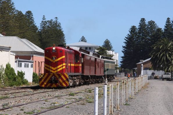 Last train of the day departing Victor Harbor