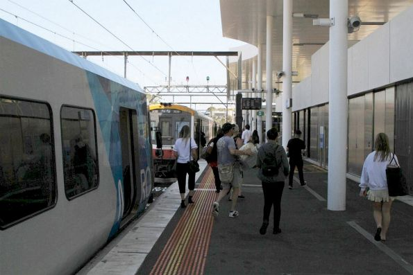 Sprinter 7001 and 7018 wait at Frankston station for connecting passengers