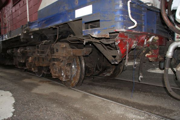 Removed cow catcher and brake equipment at the leading end of N452