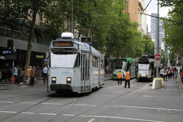 Having run 'bang road' down Swanston Street, Z3.175 shunts through the Flinders Lane crossover