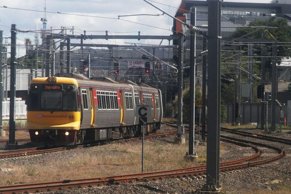 EMU65 arrives at Roma Street bound for Shorncliffe